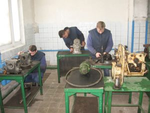 Лабораторія слюсарних робіт та складання